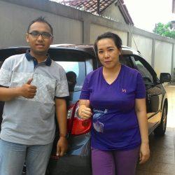 Foto Penyerahan Unit 4 Sales Marketing Mobil Dealer Daihatsu Depok Alan