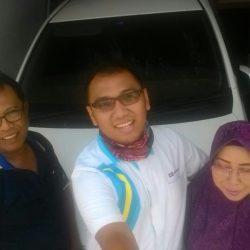 Foto Penyerahan Unit 6 Sales Marketing Mobil Dealer Daihatsu Depok Alan