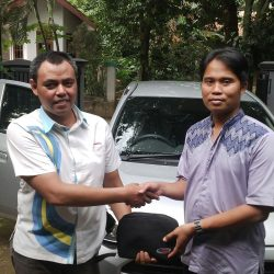 Foto Penyerahan Unit 7 Sales Marketing Mobil Dealer Daihatsu Tanjung Priok Yandri