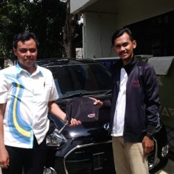 Foto Penyerahan Unit 9 Sales Marketing Mobil Dealer Daihatsu Tanjung Priok Yandri