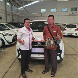 Foto Penyerahan Unit 7 Sales Marketing Mobil Dealer Toyota Jambi Numan