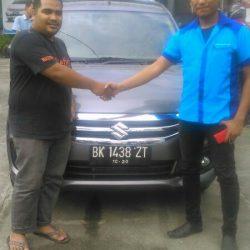 Foto Penyerahan Unit 3 Sales Marketing Mobil Dealer Suzuki Medan Jona