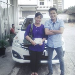 Foto Penyerahan Unit 5 Sales Marketing Mobil Dealer Suzuki Medan Jona