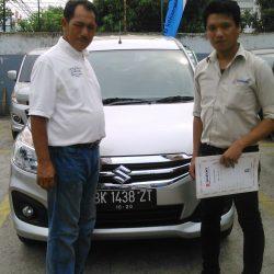 Foto Penyerahan Unit 8 Sales Marketing Mobil Dealer Suzuki Medan Jona