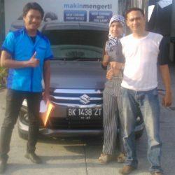 Foto Penyerahan Unit 9 Sales Marketing Mobil Dealer Suzuki Medan Jona