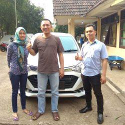 DO 2 Sales Marketing Mobil Dealer Daihatsu Debby