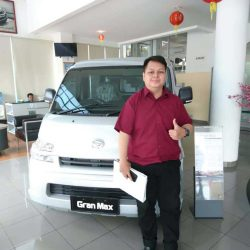 DO 2 Sales Marketing Mobil Dealer Daihatsu Idzam