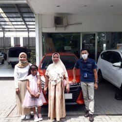 Foto Penyerahan Unit Sales Daihatsu Indramayu Hendy (1)