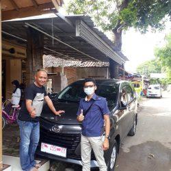 Foto Penyerahan Unit Sales Daihatsu Indramayu Hendy (5)