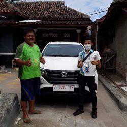 Foto Penyerahan Unit Sales Daihatsu Indramayu Hendy (9)
